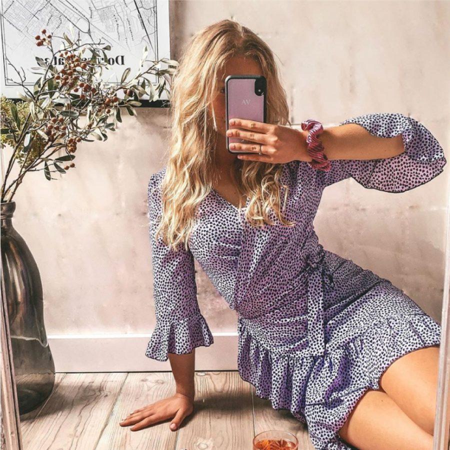 lila telefoonhoesje mode jurk